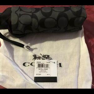 Coach mini umbrella F63365 MSRP $68